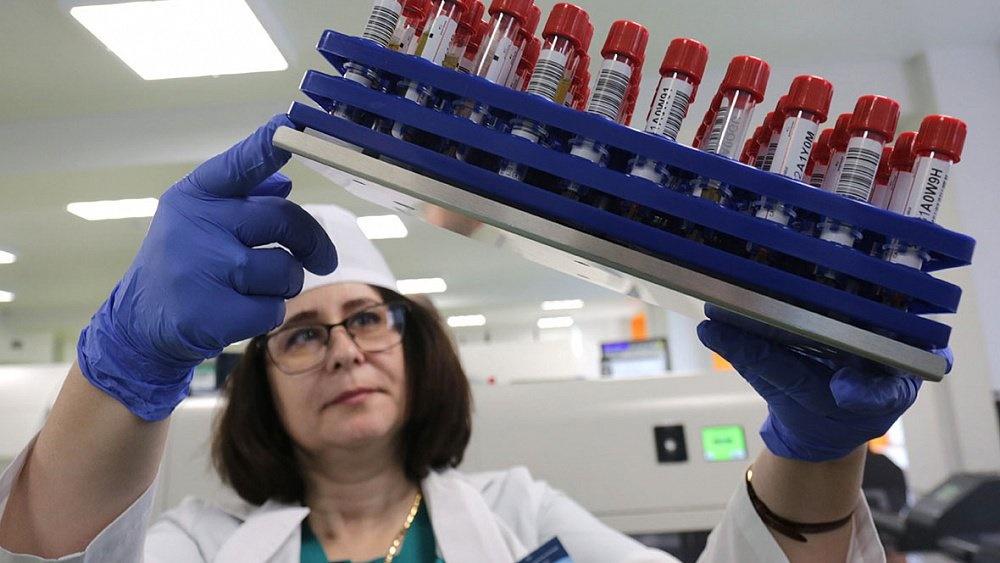 Пик заболеваемости коронавирусом в России может прийтись на следующую неделю