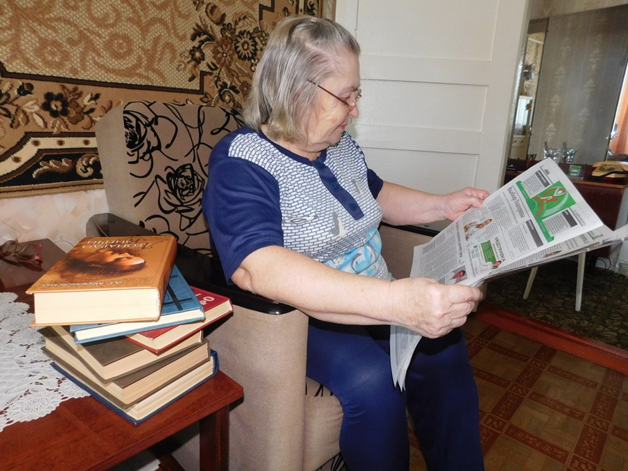 Волонтеры доставят пожилым южноуральцам на дом прессу