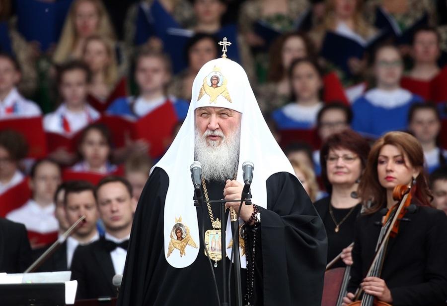 Патриарх призвал верующих молиться на Вербное воскресенье и Пасху дома