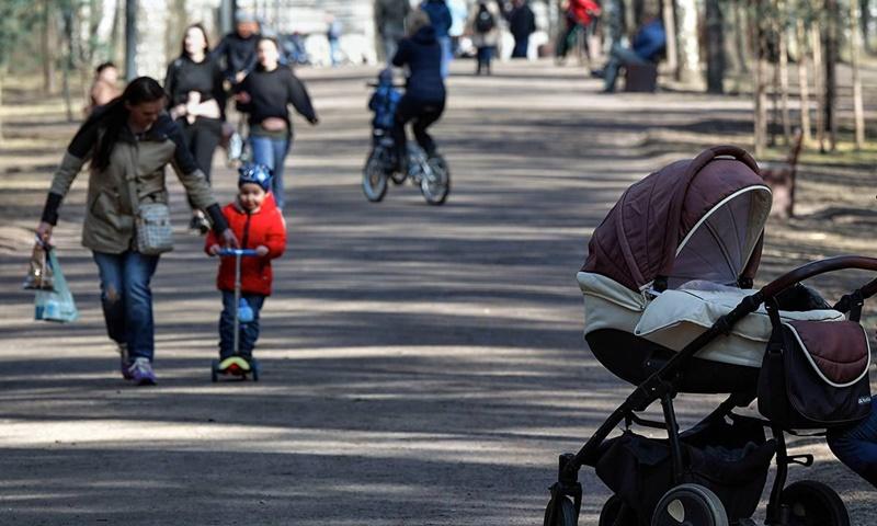 Выплаты беременным и кешбэк за детский отдых – Владимир Путин поручил реализовать социальные инициативы