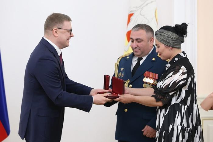 Алексей Текслер вручил южноуральцам награды