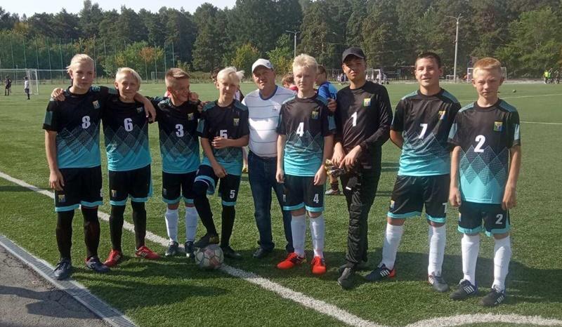 Октябрьцы приняли участие в дворовом футболе