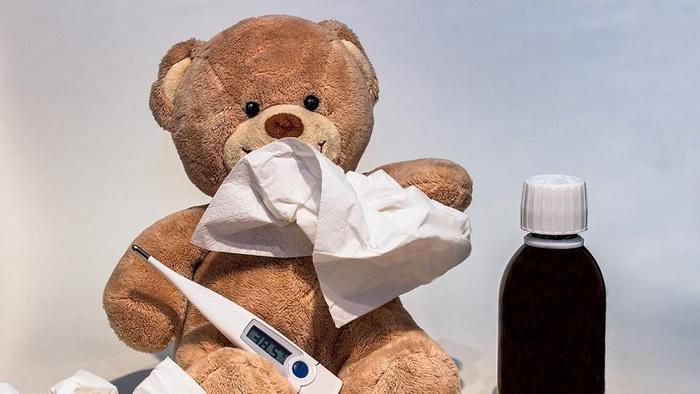 Больничные на детей до 8 лет в России будут выплачивать по новым правилам